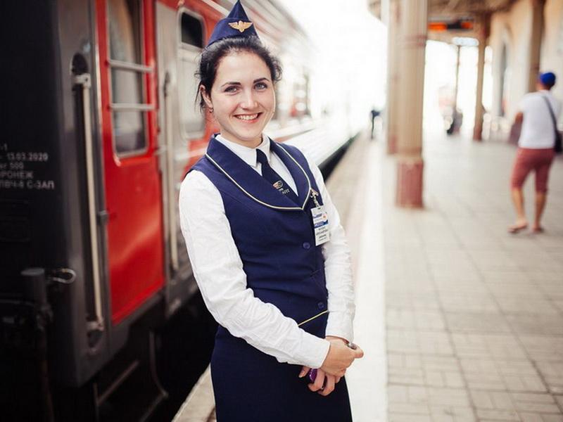 7 основных обязанностей проводника поезда, о которых многие пассажиры не знают