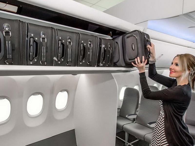 Как не мешать другим пассажирам своей ручной кладью в самолете