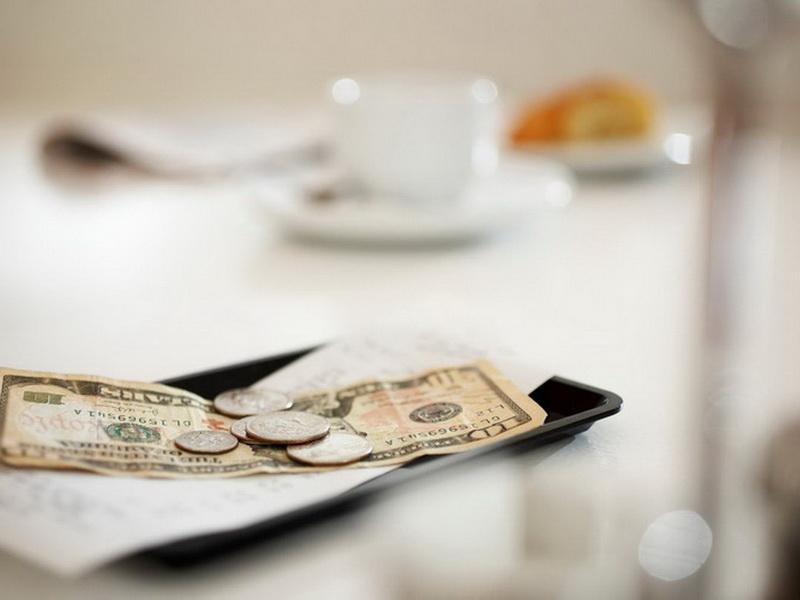 Чаевые в разных странах: как не попасть впросак