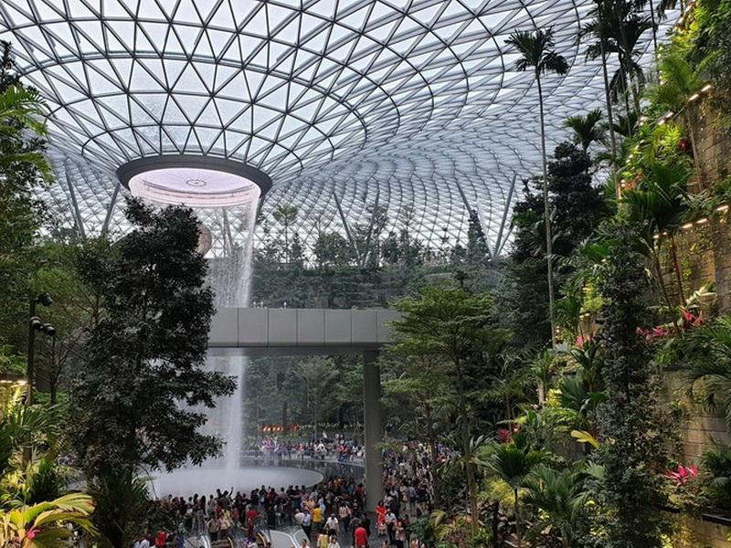 Аэропорты из будущего: топ-5 уникальных воздушных гаваней