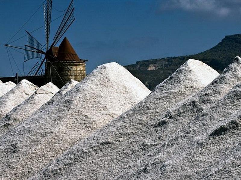 «Слегка» пересолили: топ-6 самых соленых мест в мире