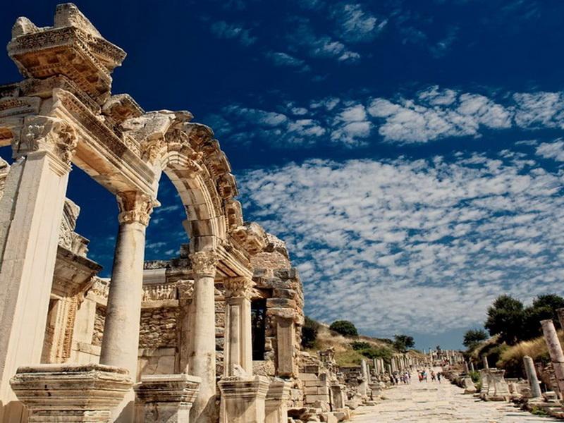 Почему не стоит покупать экскурсионные туры на турецких улицах?