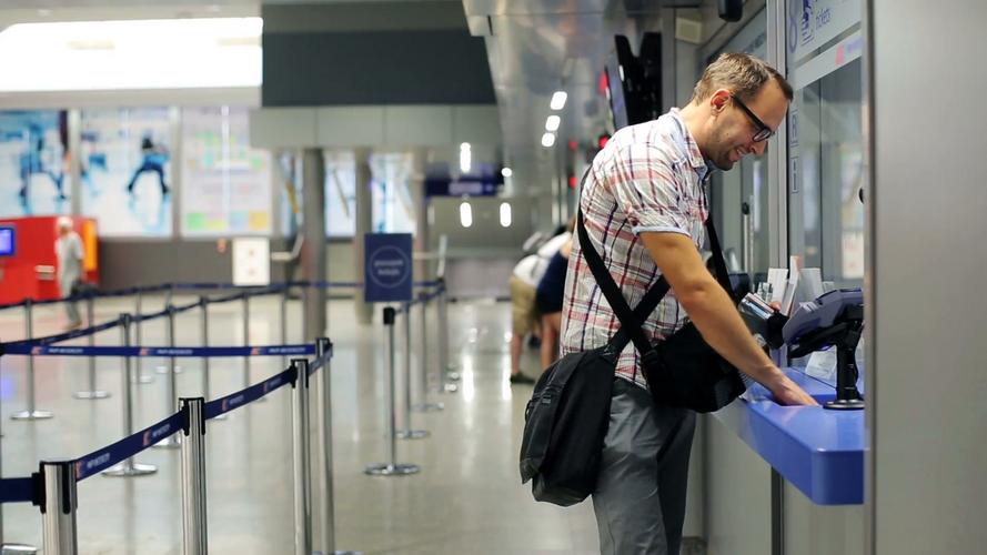 Летаем в отпуск правильно: 5 основных советов, как не попасть в форс-мажор