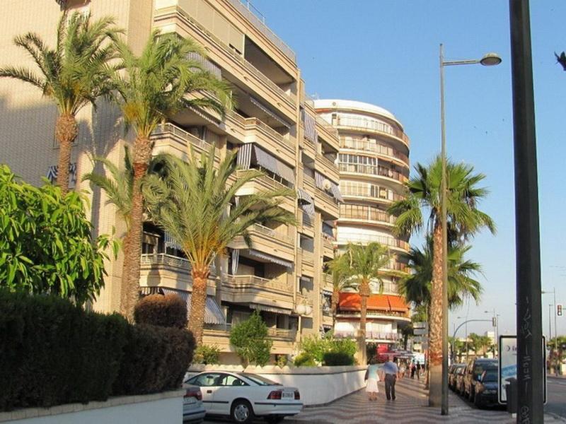 Что нужно знать перед поездкой в Испанию, чтобы отдохнуть и при этом не разориться