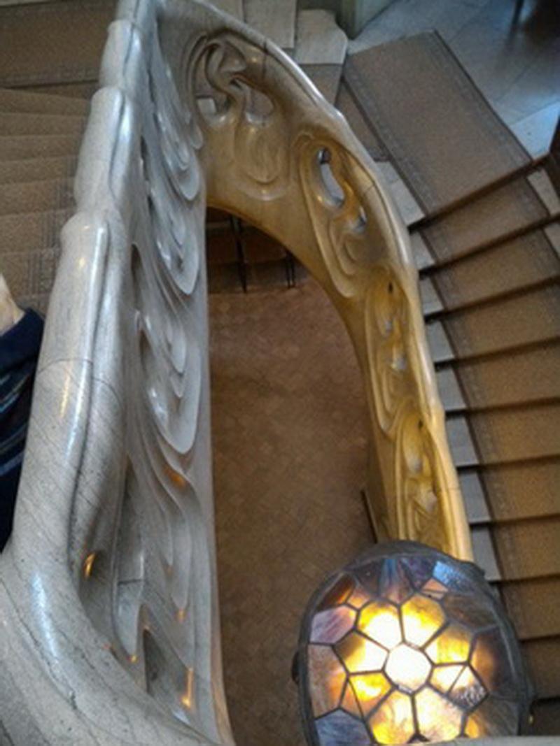 Необычная лестница с черепахой в доме-музее Горького
