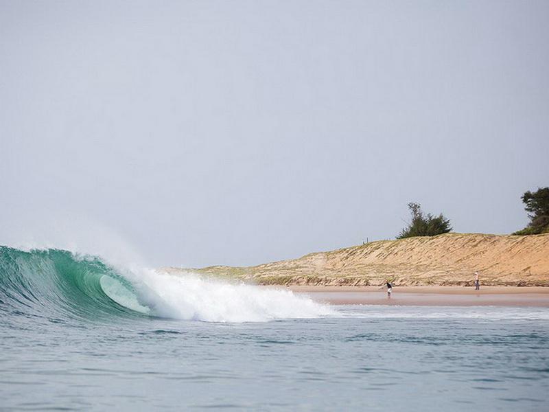 Покорить волны: топ-7 лучших мест для начинающих серферов