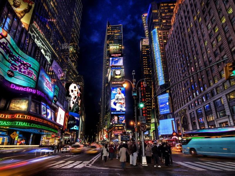 Места, которые не дремлют: топ-10 самых весёлых городов мира