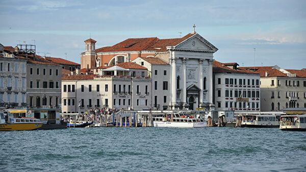 Власти Венеции запретят лайнерам заходить вгород