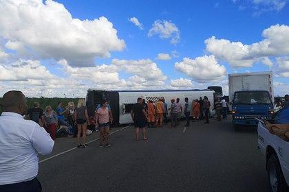 Автобус сроссиянами перевернулся вДоминикане