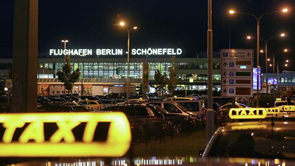 Названы аэропорты, гдетуристы долго ждут такси