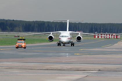 Самолет вернулся ваэропорт из-затрещины встекле