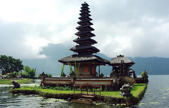 Бали попал всписок мест, куда лучше неездить