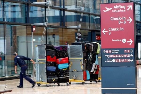 Самые раздражающие грузчиков аэропорта предметы